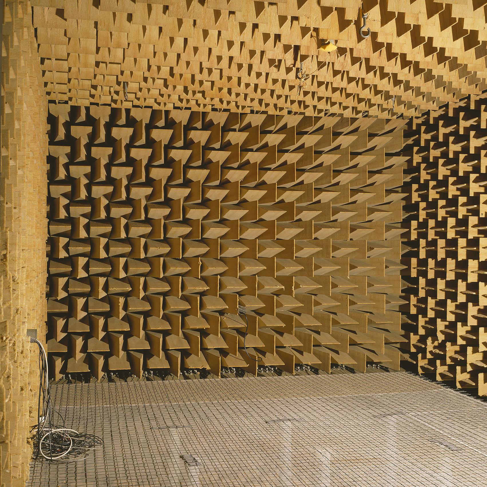 Câmara Anecoica IST 001